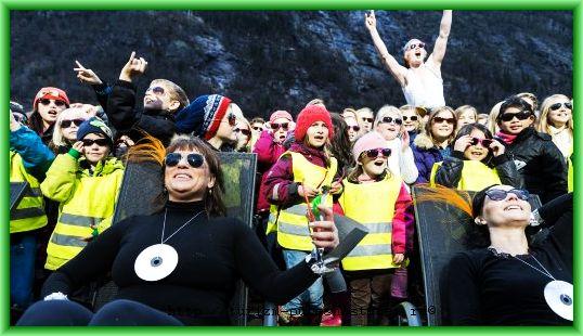 На днях жители Рюкан (Rjukan) в первый раз в октябре увидели солнце в долине деревни