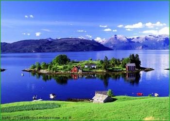 Фото норвежской природы - идиллический пейзаж - островок посреди озера