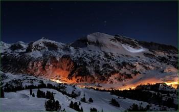 Фото норвежской природы - деревня в зимних горах
