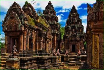 Храм Бантеай Срей в комплексе Ангкор-Ват фото