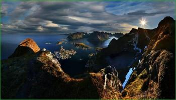 Рассвет над норвежским островом в апреле фото