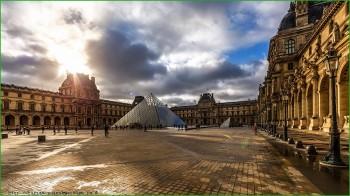 Париж - Лувр фото