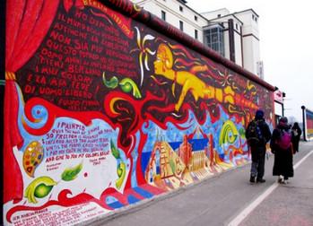 Вокруг Берлинской стены создадут ограждение