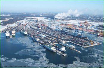 Гавань Хельсинки в декабре фото