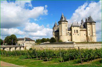 поездка в замок Сомюр в октябре в долину Луары фото