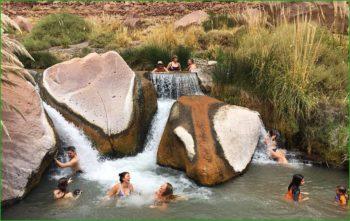 Отдых и купание с детьми в термальных источниках Пуритама в Чили в марте фото